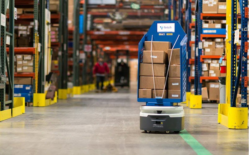 Robot Carrier in Warehouse - SIPMM